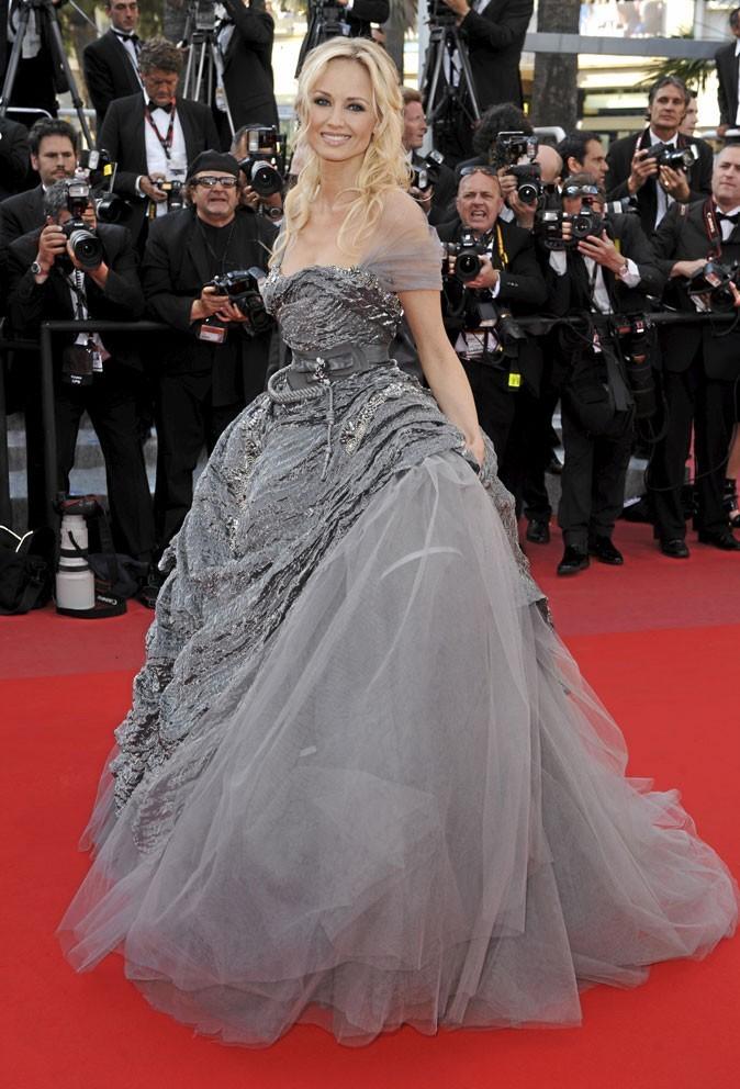 Festival de Cannes 2010 : la robe de princesse d'Adriana Karembeu