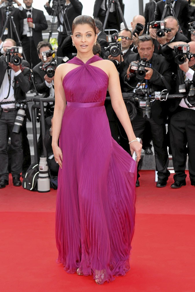 Festival de Cannes 2010 : la robe longue violette d'Aishwarya Rai