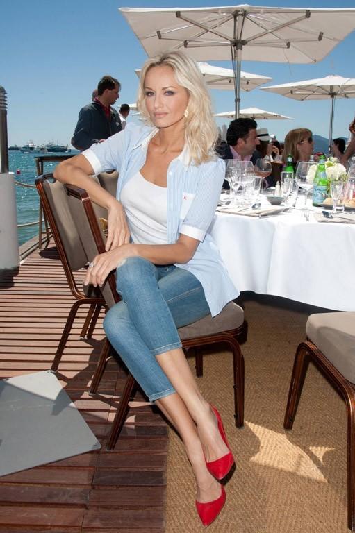 Adriana sous le soleil de Cannes ...