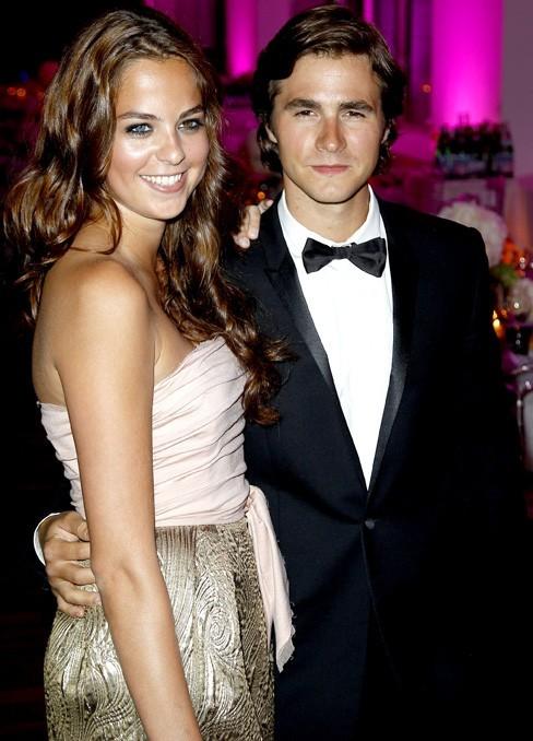 Avec son chéri, Julien Dereims, elle est aux anges !