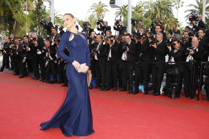Bar Refaeli durant la montée du film The Beaver, lors du 64e Festival de Cannes, le 17 mai 2011.