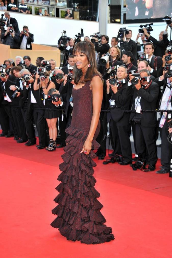 Naomi Campbell durant la montée du film The Beaver, lors du 64e Festival de Cannes, le 17 mai 2011.
