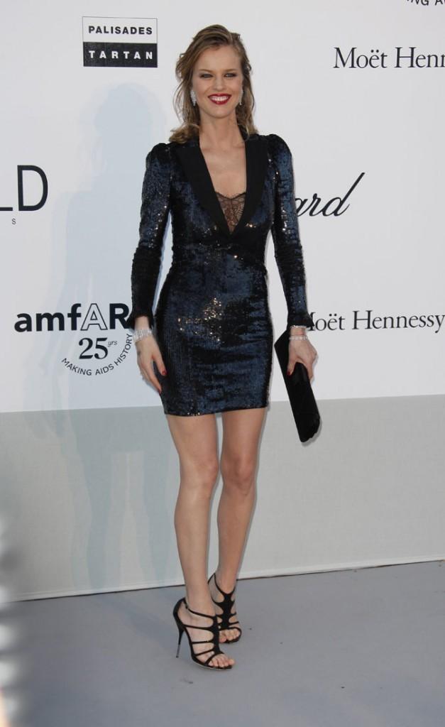 Cannes 2011 : Gala de l'AmfAR : Eva Herzigova