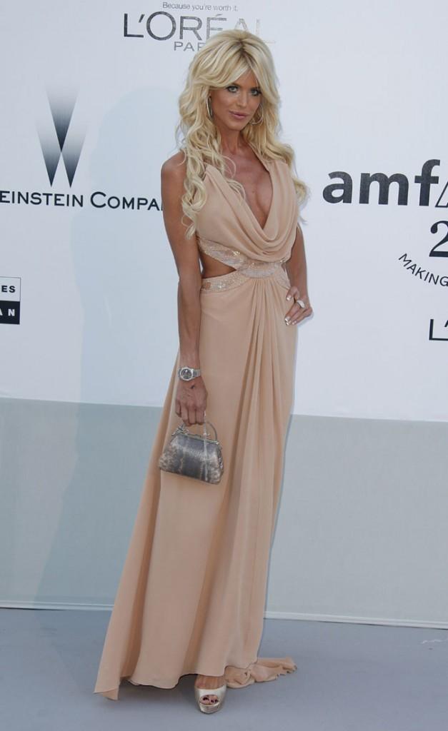 Cannes 2011 : Gala de l'AmfAR : Victoria Silvstedt