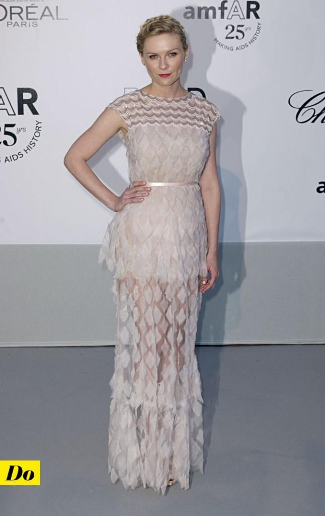Festival de Cannes 2011 : la robe à plumes Chanel de Kirsten Dunst