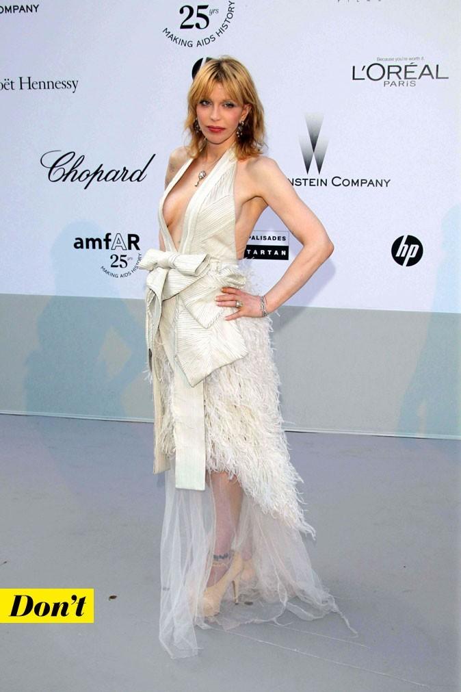 Festival de Cannes 2011 : la robe blanche Givenchy de Courtney Love