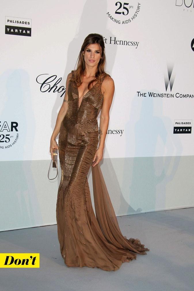 Festival de Cannes 2011 : la robe longue avec mini traîne d'Elisabetta Canalis