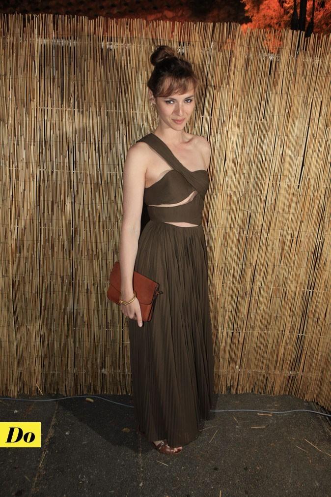 Festival de Cannes 2011 : la robe vestale kaki de Louise Bourgoin