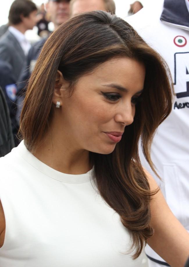 On ne voit qu'elle à Cannes !