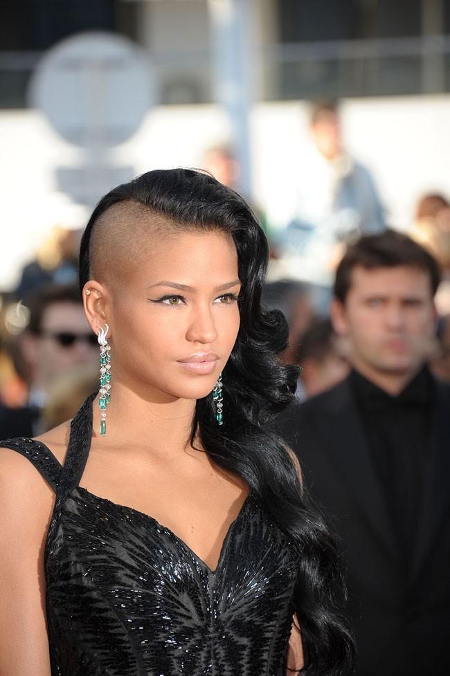 La chanteuse américaine avait un petit avantage rock : sa coiffure !