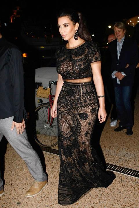 Kim Kardashian arrive à la soirée de P.Diddy !