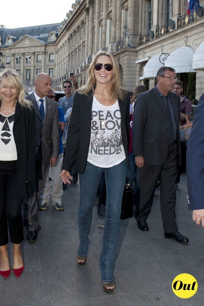 Sharon Stone en mode casual !