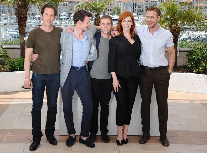 Cannes 2014 : Ryan Gosling : entour� de tout le cast de sa premi�re r�alisation... Sauf Eva Mendes !