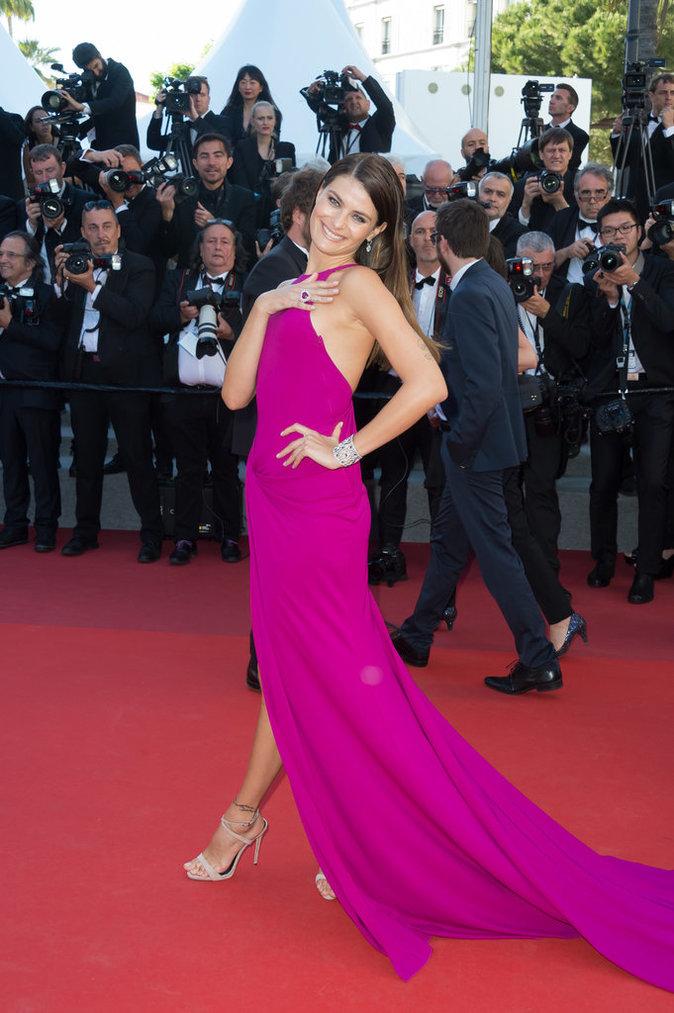 Isabeli Fontana en Alberta Ferretti et chaussures Giuseppe Zanotti, Cannes le 20 mai