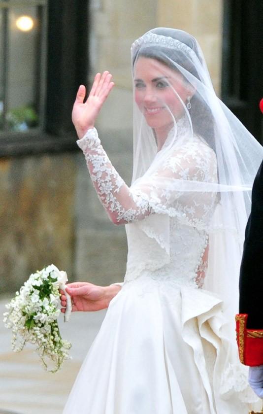 Mais elles avaient toutes les deux le même bouquet de mariée frais !