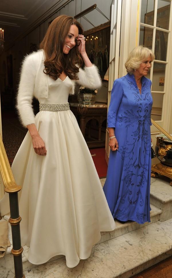 Kate Middleton a changé de robe de mariée hier soir !