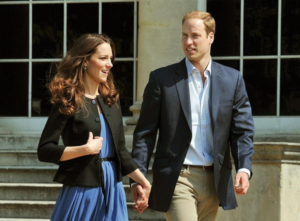 Les Duc et Duchesse de Cambridge, heureux, main dans la main !