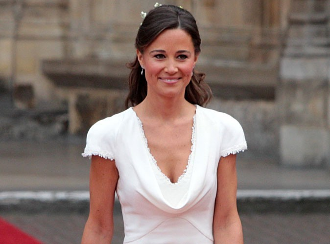 Pippa Middleton : matez sa robe de soirée hyper décolletée !