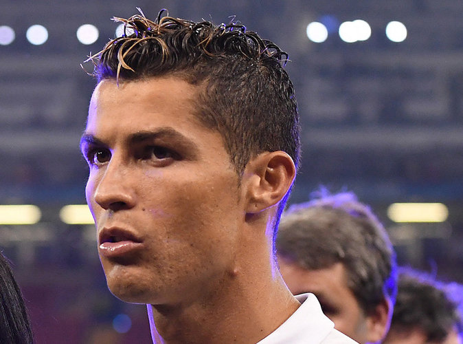 Cristiano ronaldo l 39 attaquant du real madrid poursuivit pour fraude fiscale - Coupe christiano ronaldo ...