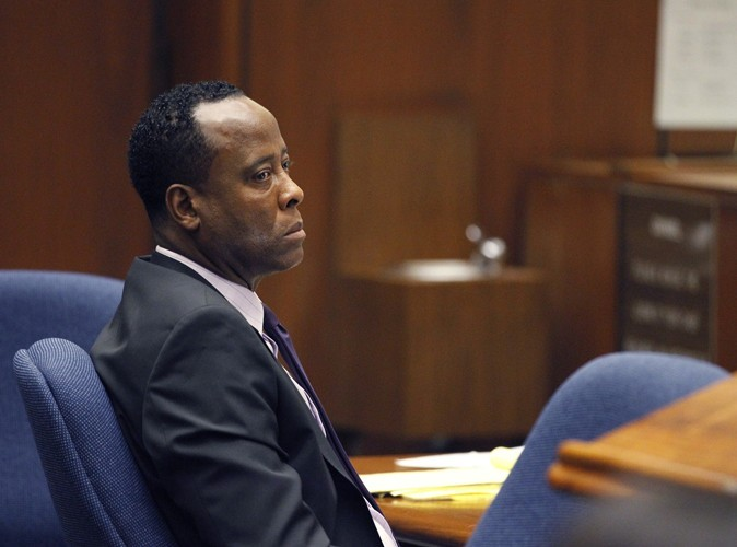 Procès du Dr Conrad Murray : les reports d'audience s'accumulent !