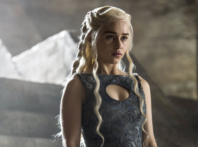 Game of Thrones : Emilia Clarke veut plus d'hommes nus à la télé !