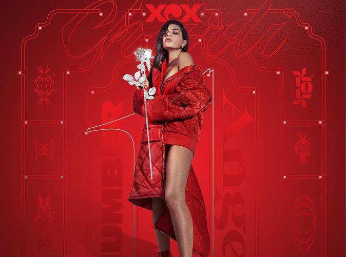 On a vu Charli XCX en concert à Paris : Une pile électrique sur scène !