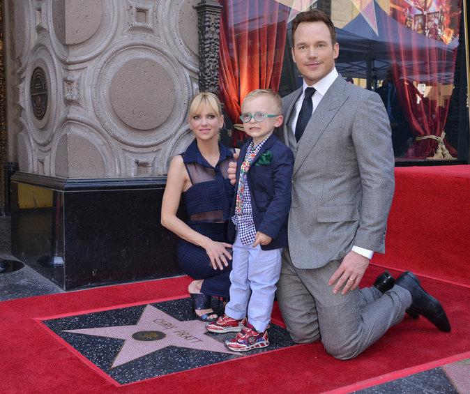 Chris Pratt avec sa femme l'actrice Anna Faris et leur fils Jack