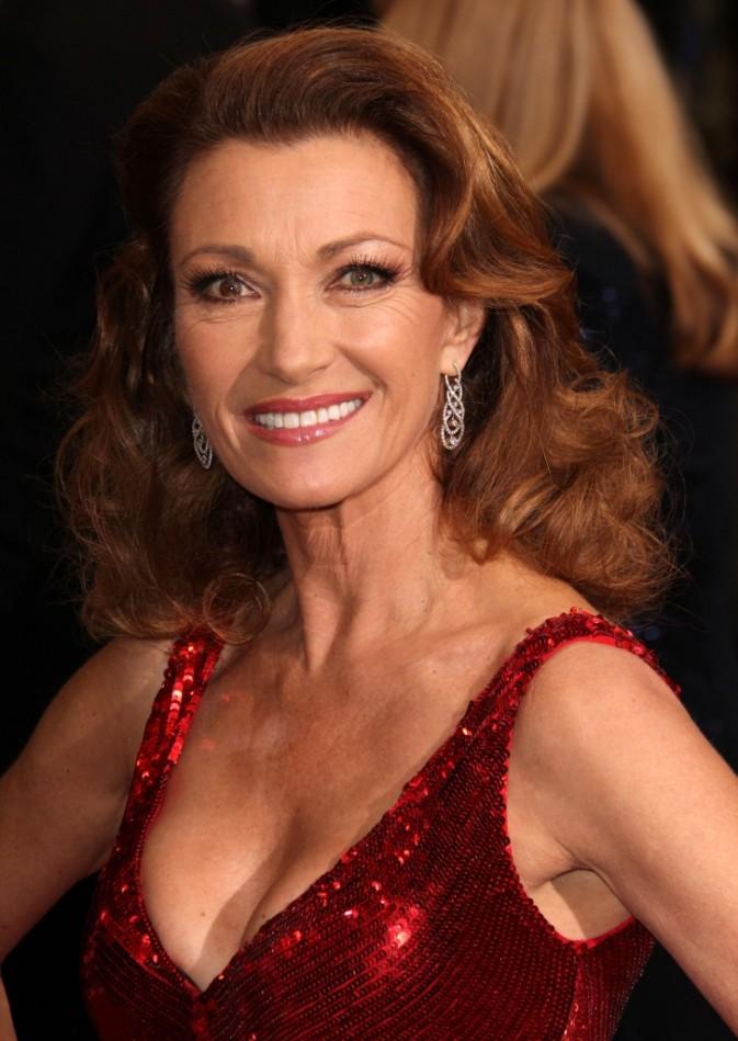 Jane Seymour : Brushing 50's pour un look glamour et rétro