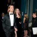 Angelina Jolie et Brad Pitt lors de la cérémonie des Oscars à Hollywood, le 26 février 2012.