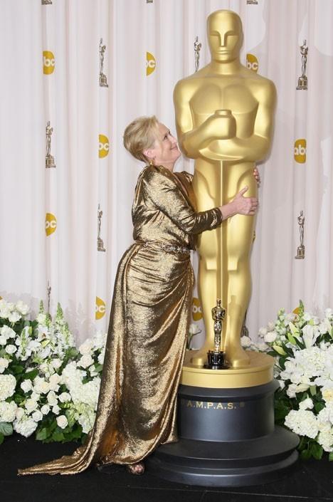Meryl, ta statue c'est la petite !