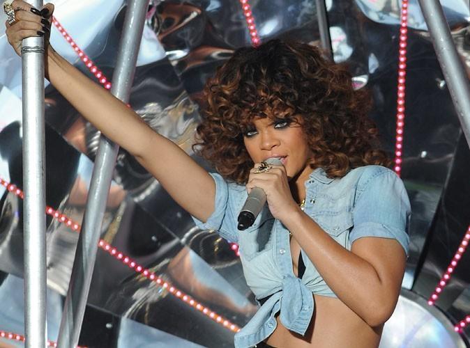 Rihanna : un yacht à 228 000 euros la semaine pour ses vacances à Saint-Tropez !