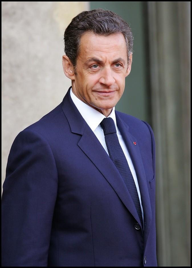 En septembre 2008 : un costume bleu roi, assorti à la cravate