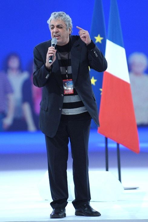 Le chanteur Enrico Macias
