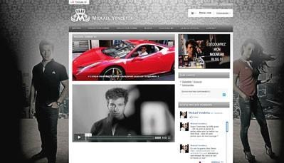 Sur son site perso, mickaelvendetta.com/fr, on trouve ses collections de fringueset sa page de coach…
