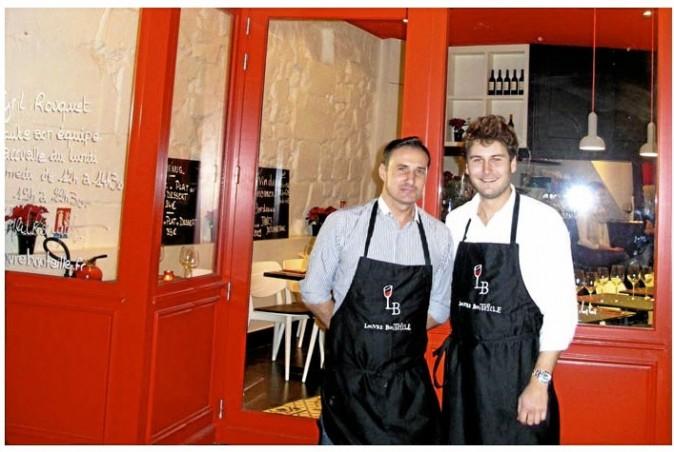 Très occupé en cuisine, Cyril peut compter sur son chef de rang pour mettre l'ambiance en salle !
