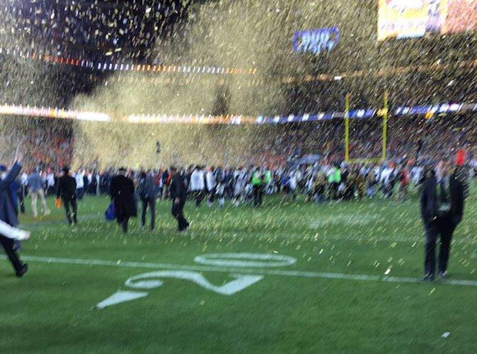 Public Buzz : Pendant la finale du Super Bowl, le PDG d'Apple devient la risée du web !