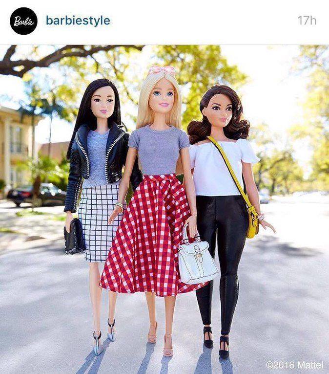 Public Buzz : Photos : Des poupées Barbie de toutes les tailles et de toutes les couleurs !