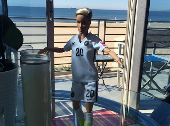 Public Buzz : Photos : La première Barbie homosexuelle agite la Toile !