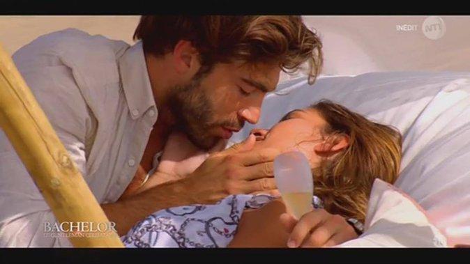 Public Buzz : Bachelor : La température monte avec Linda, les internautes furieux contre Marco !
