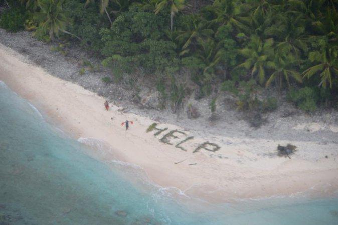 Public Buzz : Photos : Echoués sur une île déserte, ils survivent pendant plusieurs jours !