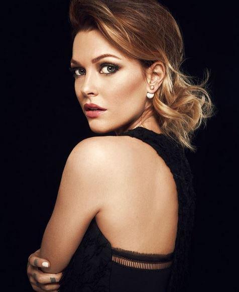 6- Caroline Receveur glamour comme jamais