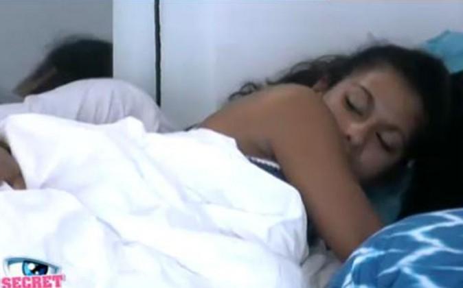 Dur le réveil pour Ayem !