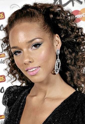 Astuce beauté : les cheveux d'Alicia Keys