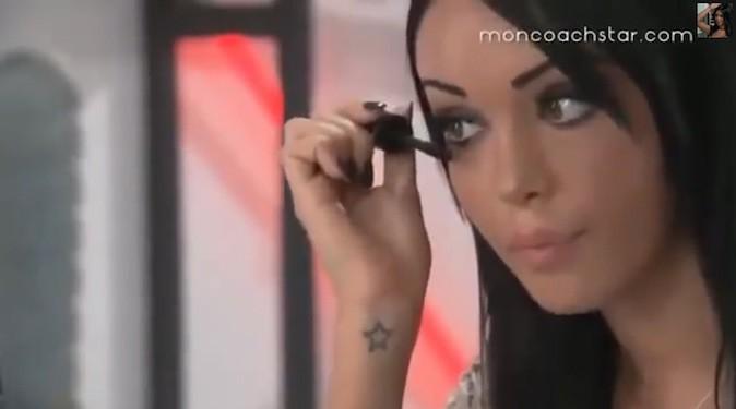 Smoky eye de Nabilla : étape 4, mascara !