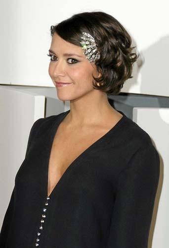 Emma de Caunes a adopté le bijou de tête !