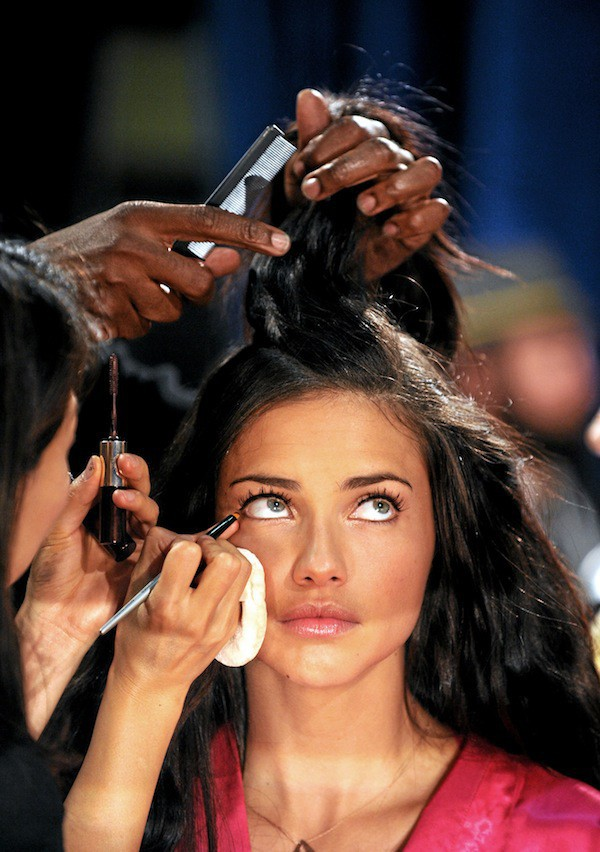 Adriana Lima: Backstage Victoria's Secret
