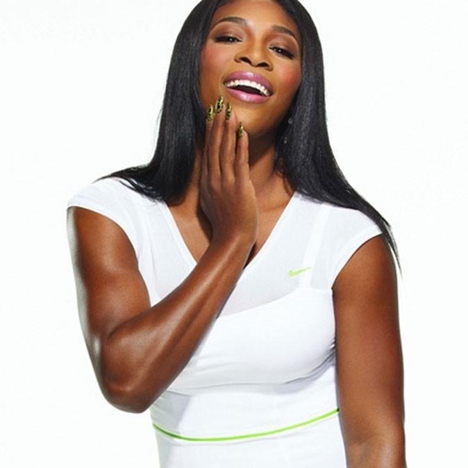 Serena Williams pour la campagne OPI ongles craquelés