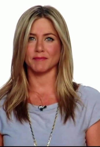 Jennifer Aniston de face ou de profil ?