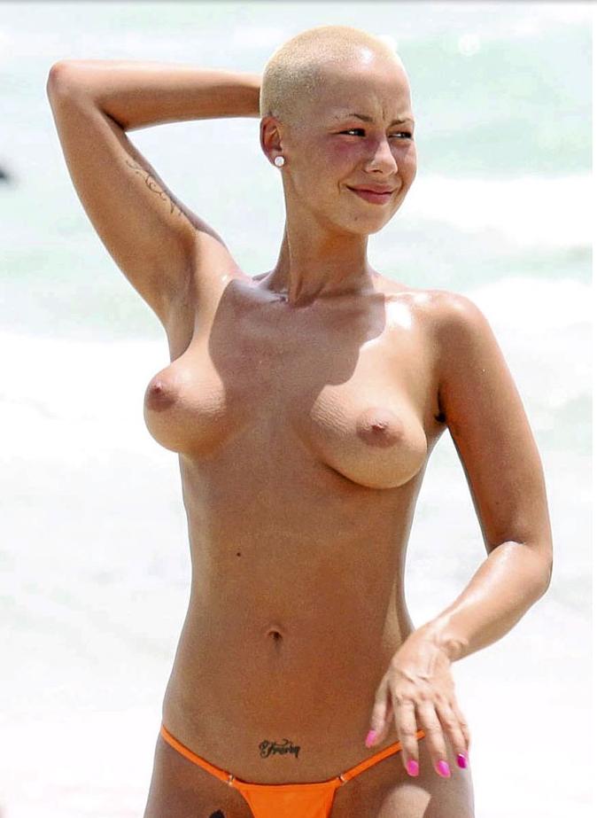 Amber Rose et ses vergetures sur la poitrine