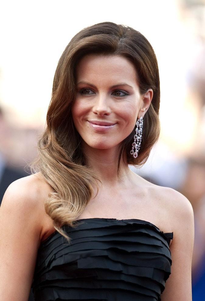 Festival de Cannes 2011 : la coiffure cheveux rétro de Kate Beckinsale en 2010 !